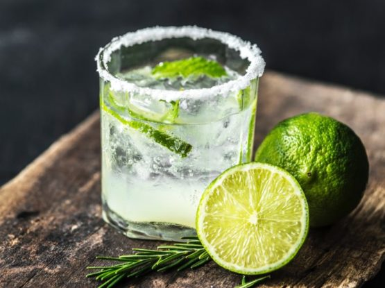 Gin, Mixers & Cocktails